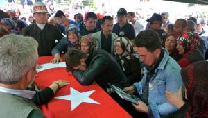Karabük Kalp Krizinden Ölen Asker Toprağa Verildi