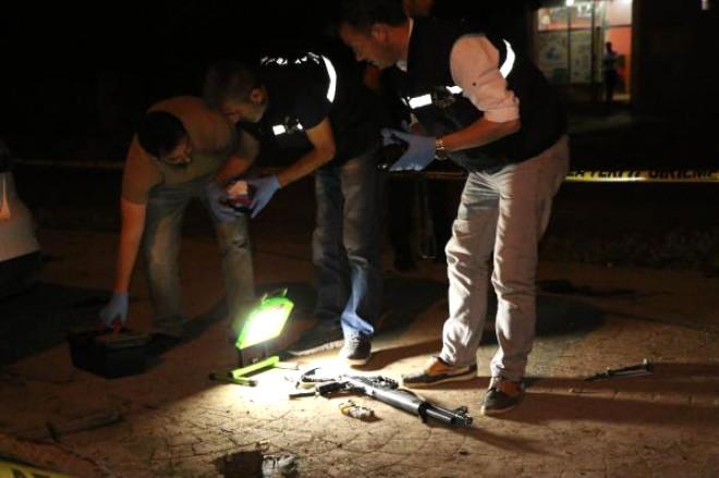 Siverek'te Seyir Halindeki Otomobile Ateş Açıldı: 1 Yaralı