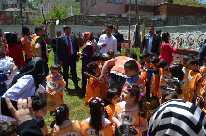 Başkan Asya Minik Öğrencilerle Fidan Dikti