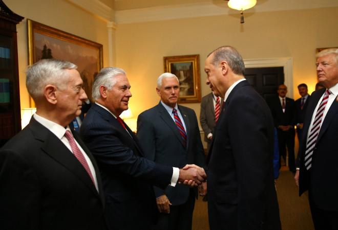 Beyaz Saray'da Heyetlerarası Görüşme Sona Erdi