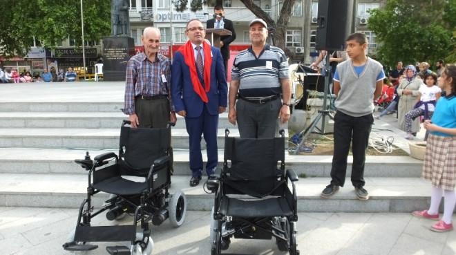 Burhaniye'de Engelliler Şenliği Renkli Görüntülere Sahne Oldu