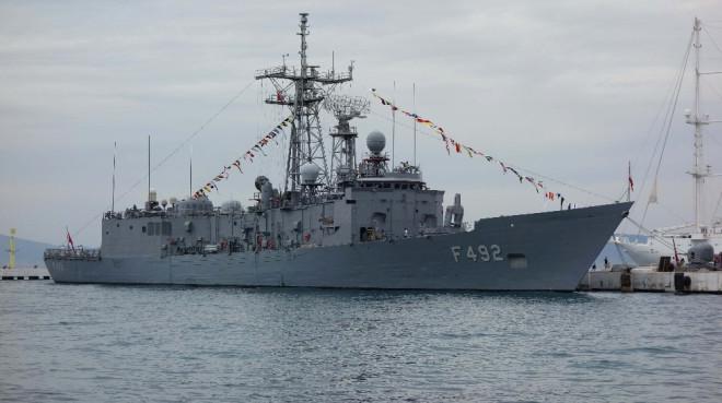 Denizkurdu Tatbikatına Katılan Askeri Gemiler Kuşadası'nda