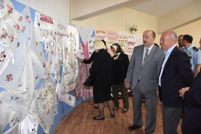 Dursunbey Hem'de Yıl Sonu Sergisi Açıldı