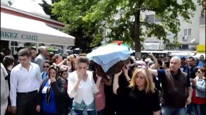 Eski Eşi Tarafından Çekiçle Vurulak Öldürülen Işık'ın Cenazesini Kadınlar Omuzladı