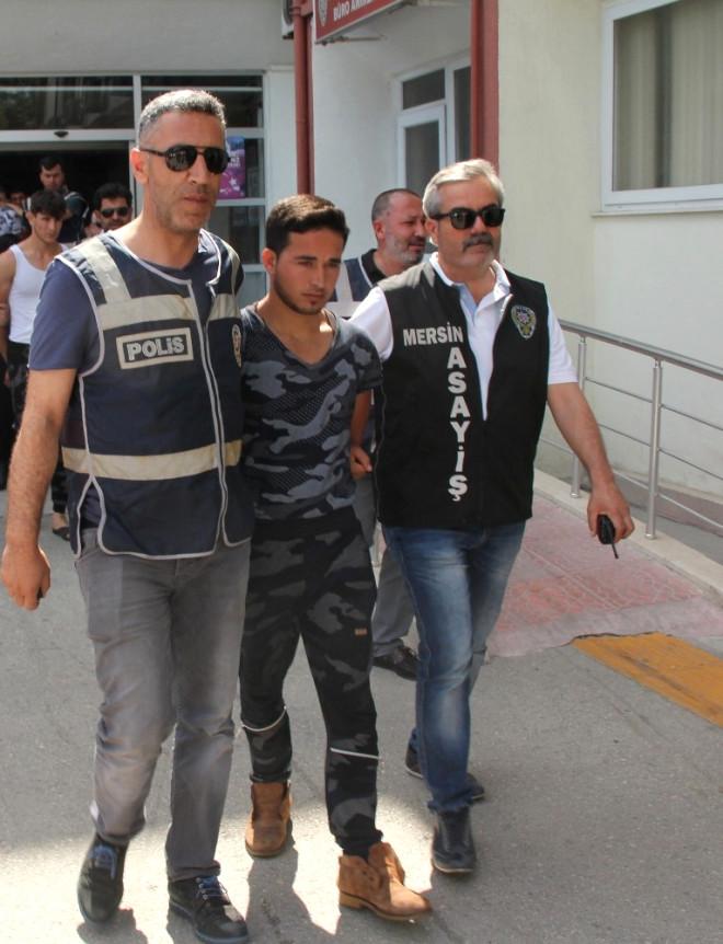 Mersin'de İşlenen Cinayetle İlgili 5 Suriyeli Tutuklandı