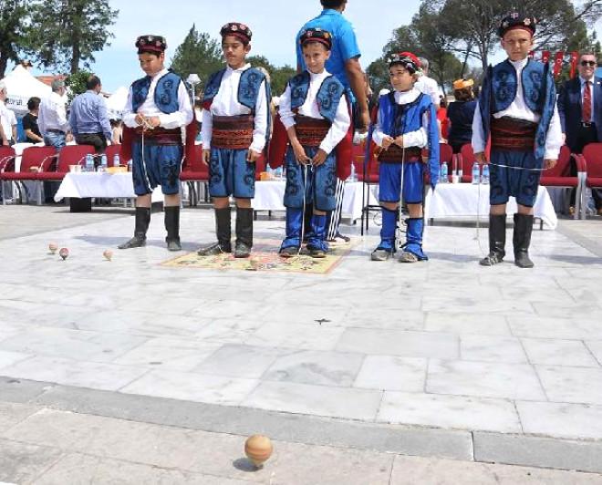 Milas'ta Topaç Çevirme Rekor Denemesi