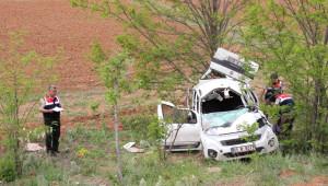 Mezuniyet Törenine Giden Aile Kaza Yaptı: 1 Ölü, 4 Yaralı