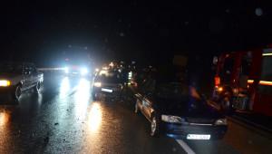 3 Aracın Karıştığı Kazada Maddi Hasar Oluştu
