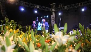 Menderes Kesme Çiçek Festivali Coşkuyla Kutlandı