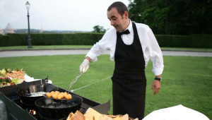 Profesyonel Aşçı, Açık Büfelerdeki Hijyenik Tehlikeleri Anlattı
