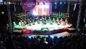 Asev Tsm Korosu'ndan Unutulmaz 'Zeki Müren' Konseri