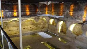 Mardin'de Bulunan 1400 Yıllık Mezarlık İlk Kez Ziyarete Açıldı