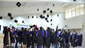 Siverek Meslek Yüksekokulunda Mezuniyet Sevinci