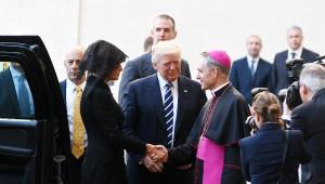 Trump, Vatikan'da Papa ile Buluştu: Görüşme Gergin Başladı