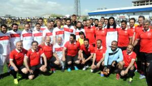 Van'da Gönül Köprüsü Futbol Turnuvası Finali Yapıldı