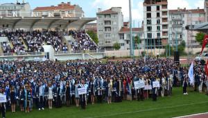 Kırklareli Üniversitesi'nde Mezuniyet Heyecanı