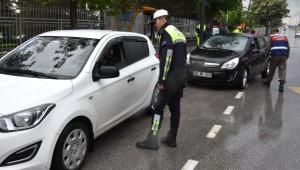 Sivas'ta Jandarma ve Polisten Ortak Trafik Uygulaması