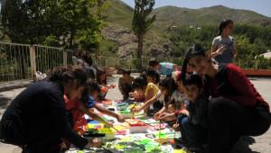 Hakkari'de 'Çocuk Şenliği' Düzenlendi