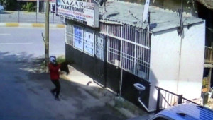 Elektronik Dükkanına Pompalı Tüfekle Saldırı Kamerada