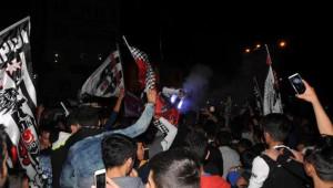 Hakkari - Beşiktaşlılar Şampiyonluğu Kutladı