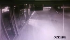 İzmir'deki Market Hırsızlığının Güvenlik Kamerası Görüntüleri Ortaya Çıktı