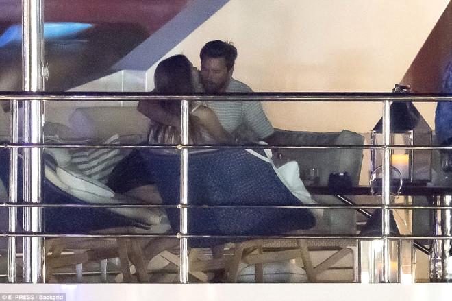Kardashian'ların İlişki Bağımlısı Damadı Her Gün Başka Bir Kadınla!
