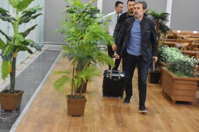 Aykut Kocaman, Atiker Konyaspor Yönetimine Takımdan Ayrılacağını Bildirdi- Fotoğraflar