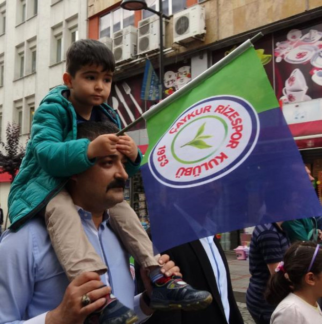 Çaykur Rizespor'a Destek Yürüyüşü