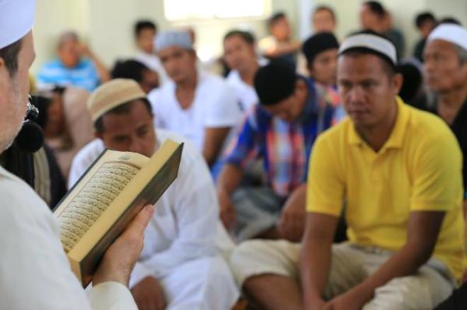 Filipinler'de Cami Açılışında Şırnak Şehitlerine Dua