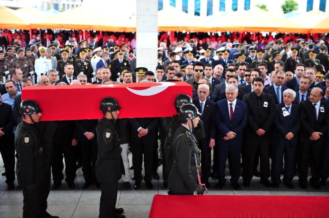 Şehit Piyade Albay Oğuzhan Küçükdemirkol Son Yolculuğuna Uğurlandı
