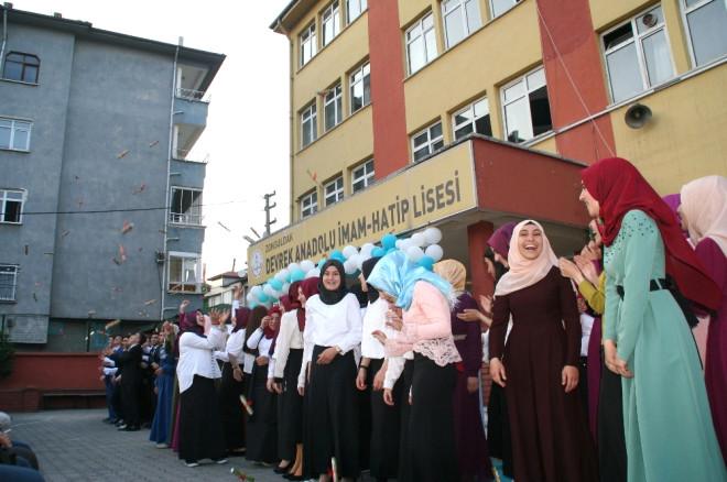 Devrek Anadolu İmam Hatip Lisesinden Mezuniyet ve İftar Coşkusu