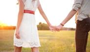 Eğer Sevgiliniz Elinizi Böyle Tutuyorsa İlişkiniz Bitmek Üzere