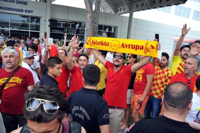 Göztepe'ye Antalya'da Coşkulu Karşılama