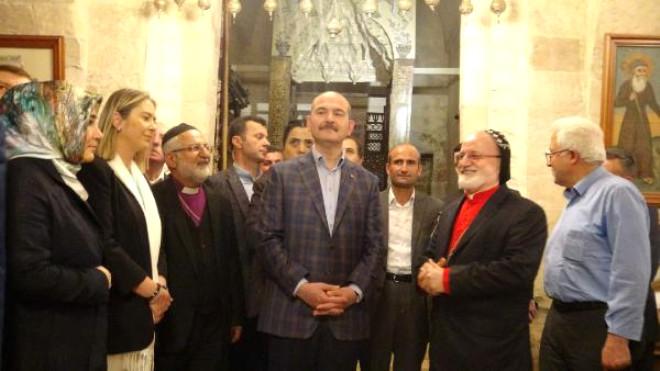 İçişleri Bakanı Soylu, Mardin'de Esnafı Ziyaret Etti