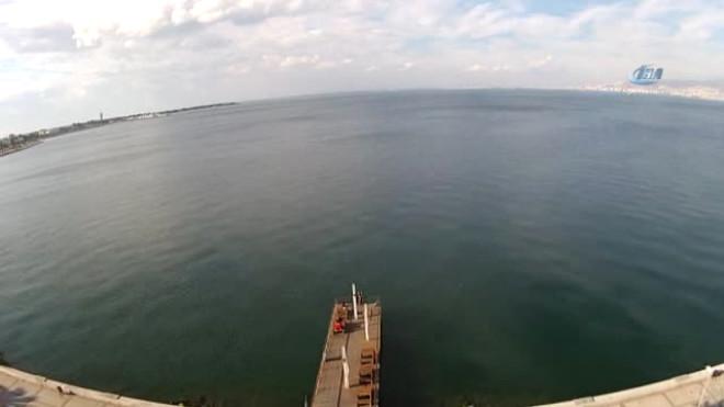 İzmir Körfezi'nde Bulunan Batık Gemi Heyecan Yarattı