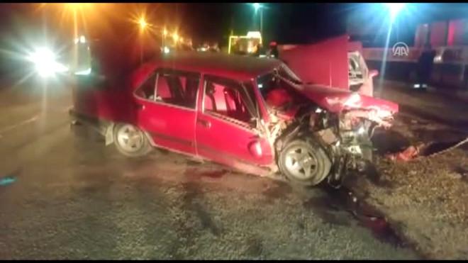 Konya'da İki Aracın Çarpıştığı Kazada 2 Genç Yaşamını Yitirdi