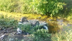 Otomobille Çarpışan Araç Dereye Uçtu: 1 Ölü, 1 Yaralı