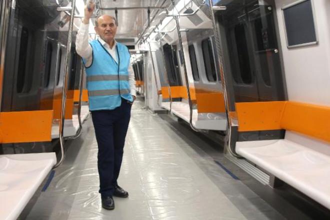 Yeni Metro Araçları Raylarla Buluştu