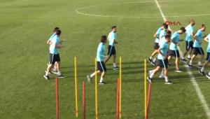 A Milli Takım, Makedonya Maçı Hazırlıklarına Başladı