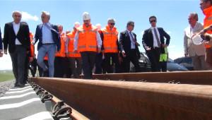 Bakan Arslan, Btk Demiryolu Hattı'nda İncelemelerde Bulundu