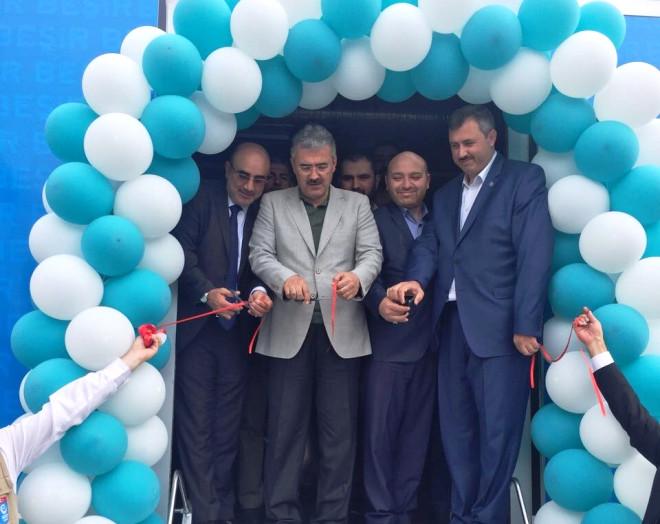 İzmir'den Mülteciler İçin AŞ Evi Tırı Reyhanlı'ya Uğurlandı