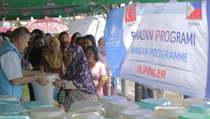 Türkiye, Filipinler'de İhtiyaç Sahiplerine Gıda Yardımında Bulundu