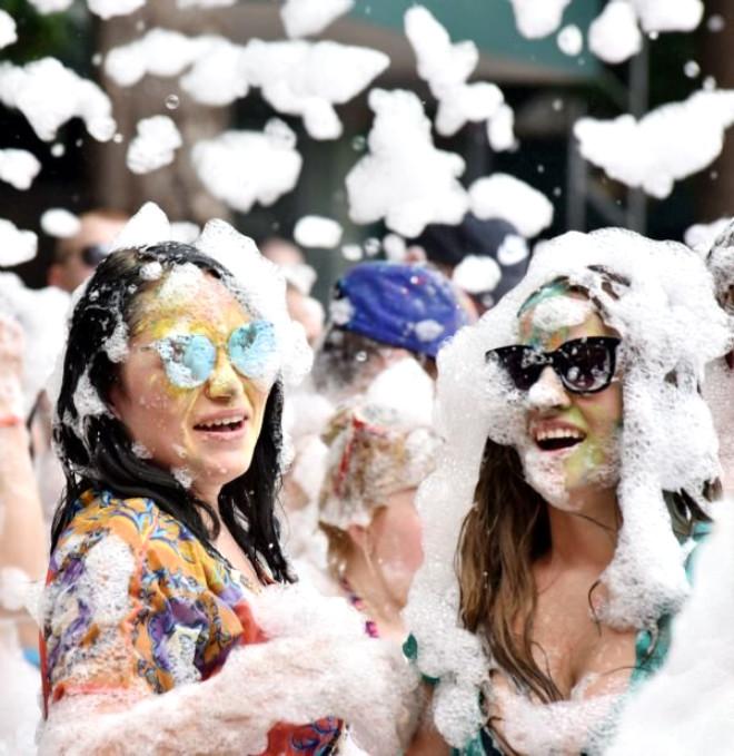 Antalya'ya Gelen Turistler Çılgınlar Gibi Eğlendi