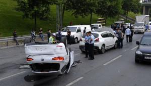 Istanbul'da Zincirleme Trafik Kazası Oldu, Trafik Durdu