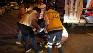 Şanlıurfa'da Otomobil ile Motosiklet Çarpıştı: 2 Yaralı