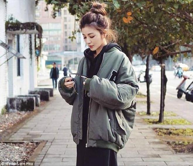 18'lik Genç Kız Gibi Görünen Kadın, Yaşıyla Hayrete Düşürüyor