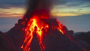 Endonezya'da Yanardağ Patladı! Yaralı ve Kayıplar Var