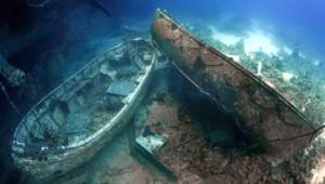 26 Yıl Önce Batan Gemideki Eşyalar Hala Denizin Dibinde
