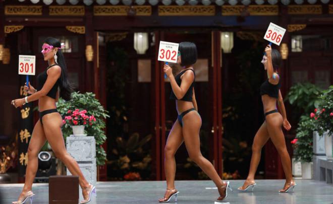 Çinli 'Bayan Popo': Taytla Sokağa Çıkamıyorum