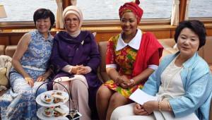 G-20 Zirvesinde Kadınların Şıklık Yarışı